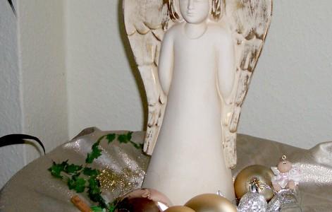 Weihnachtsmann, Engel, Jahres-Endzeitfigur oder einfach nur Teilen mit deinem Nächsten ……