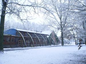 Speisesaal mit Schnee